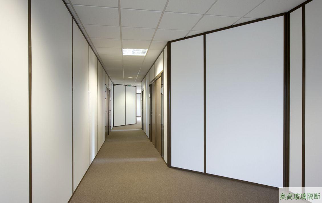 全板财务办公室高隔间