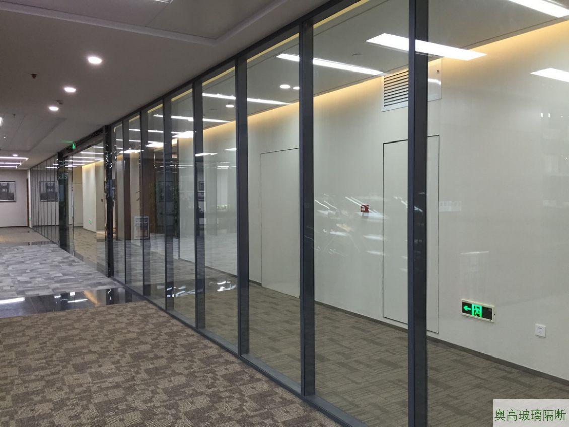 工厂玻璃间隔墙